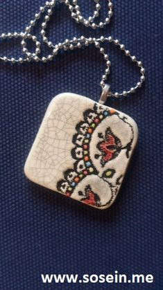 """Nammu""        Kette mit Keramikanhänger  Anhänger 5 x 5 cm / Kette 29 cm lang     Jeder Anhänger ist ein Unikat!  Künstlerin Martina Piller, Bruck a.d. Leitha      Preis: EUR 17,-- + 2,50 Porto Shops, Ceramic Jewelry, Dog Tags, Dog Tag Necklace, Pottery, Pendant Necklace, Ceramics, Jewels, Porto"