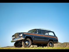 Icon 4x4 is a Californian builder known for their custom jeeps and trucks, they have now built the world´s coolest Wagoneer! Icon founder Jonathan Ward has released a plethora of amazing machines, but this is something special. This beast started lif