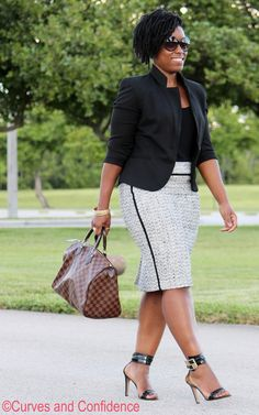 Curves and Confidence | Tweed Pencil Skirt |  http://www.curvesandconfidence.com/2014/09/tweed.html