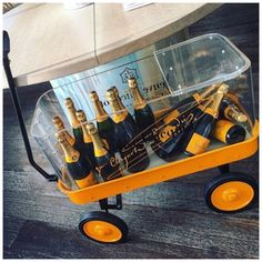 I need this trolley! Veuve Clicquot Champagne, Veuve Cliquot, Wine Pics, Champagne Party, Pop Bottles, Wine O Clock, Brunch, Sparkling Wine, Wine And Spirits
