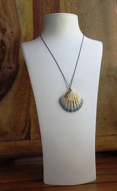 porcelain jewelry beach necklace mermaid necklace porcelain Ceramic Necklace, Seashell Necklace, Shell Necklaces, Heart Pendant Necklace, Activities For Girls, Music Jewelry, Jewelry Design, Unique Jewelry, Stone Heart