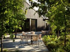 California firm Walker Warner Architects has transformed a warehouse into a tasting room for a winery with redwood, cypress and rammed earth. Casas California, California Homes, Healdsburg California, Wooded Landscaping, Off White Walls, Outdoor Furniture Sets, Outdoor Decor, Outdoor Dining, Outdoor Ideas