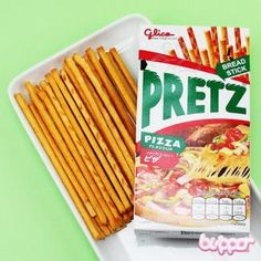 Pretz keksitikku (pizza) Japanese Candy, Japanese Sweets, Pizza Flavors, Savory Snacks, Asian Recipes, Biscuits, Chips, Tasty, Bread