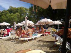 Free sandy beach in front of Pension-Tzitzifies-Agia Triada-Thessaloniki-Greece Greece Holiday, Studio Room, Thessaloniki, Hostel, Four Square, Wifi, Patio, Beach, Outdoor Decor