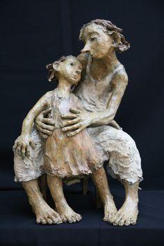 Jurga sculptures | La Terre D'Or