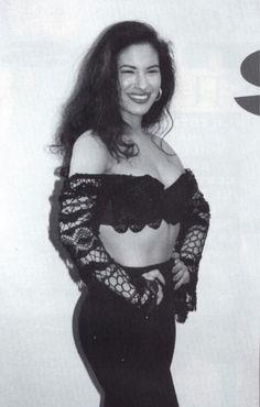 Image shared by Find images and videos about forever, selena quintanilla and perez on We Heart It - the app to get lost in what you love. Selena Quintanilla Perez, Selena Mexican, Selena Pictures, Selena Pics, Selena Selena, Selena And Chris, Celebs, Celebrities, Role Models