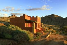 Bungalow at Desert Horse Inn. Cosy Fireplace, Main Attraction, Wooden Decks, Sea Level, Wild Horses, Hostel, Lodges, Bungalow, Monument Valley