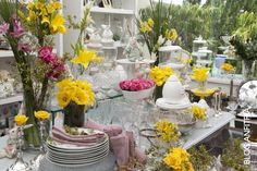 easter ideas and decoration for the holiday, with yellow , decoração de páscoa, mesas de Páscoa, estar tablescape