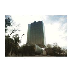#edificiocastelar #madrid #madrid_joven #madridbible #castellana #spain #window #reflection #color #light #cristal #reflejo #colores #luz #arquitectura #architecture #canon6d #24mm #picoftheday #photooftheday #igers #igersmadrid #ig #igersspain