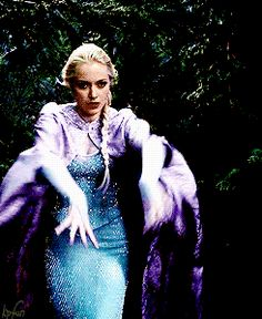 "Elsa - 4 * 5 ""Breaking Glass"" #Frozen"