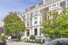 An elegant #London mansion spread across 5 floors
