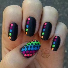 Neon Nail Art, Neon Nails, Diy Nails, Nail Art Dots, Fancy Nails, Trendy Nails, Cute Nails, Cute Black Nails, Dot Nail Designs