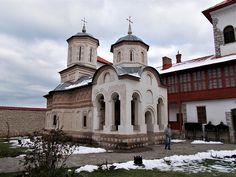 Turismul în România: Mănăstirea Arnota