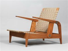A rare fireside chair, designed by Egon Eiermann * in 1932/40, manufactured by Otto Judersleben, Berlin 1940, ash, solid wood, cotton strap mesh, steel, height 75 cm, width 71 cm, depth 95 cm. (DR)