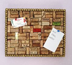 DIY cork board..so freaking cute! gotta start saving my corks :)