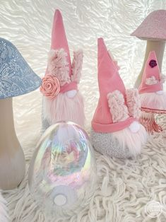 Easy No Sew Easter Bunny Gnomes - Happily Ever After, Etc. Easter Projects, Easter Crafts, Projects To Try, Spiral Christmas Tree, Gnome Hat, Gnome Ornaments, Pumpkin Wreath, Diy Crafts Jewelry, Wreath Tutorial