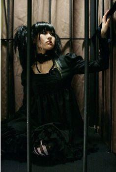 Lolita. Kawaii Fashion, Lolita Fashion, Gothic Fashion, Harajuku Japan, Harajuku Girls, Creepy Cute, Dark Beauty, Dark Fashion, Visual Kei