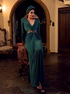 Baudelaire Wiggle Dress in Black Velvet – La Femme En Noir Hollywood Gowns, Old Hollywood, Art Deco Fashion, Vintage Fashion, French Fashion, Victorian Fashion, Ladies Fashion, Fashion Fashion, Art Deco Clothing