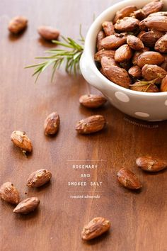Roasted Almonds With Rosemary And Smoked Salt With Large Egg White, Raw Almonds, Smoked Sea Salt, Dried Orange Peel, Fresh Rosemary Vegan Snacks, Healthy Snacks, Appetizer Recipes, Snack Recipes, Appetizers, Tapas, Roasted Almonds, Food Gifts, Coco