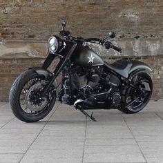 2016 Harley Davidson Softail Slim S with a @heartlandbiker 250 Wide Tire Conversion! Built by @bubble_visor #harleydavidson