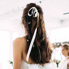 These 13 Bridal Hair Accessories Will Inspire Every Bride's Beauty Look | Brides