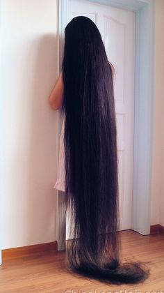 Learn amazing hair care tips and hints. Hairstyle Ideas For Long Hair. Beautiful Long Hair, Gorgeous Hair, Amazing Hair, Twist Hairstyles, Down Hairstyles, Really Long Hair, Natural Hair Styles, Long Hair Styles, Long Black Hair
