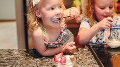 If you're looking for a variation on the usual ice cream indulgence, try out this fun hands-on twist. Try playing music to turn the bag-shaking step into a mini dance party for your whole family! Diy Ice Cream, Kids Mental Health, Childhood Cancer, Childrens Hospital, Cooking With Kids, Kid Friendly Meals, Food Allergies, Nutrition Tips