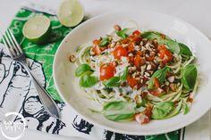 kesäkurpitsaspagetti kookoskastikkeella / Hannan soppa