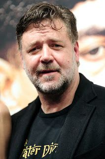 Russell Crowe to star in road-rage thriller UNHINGED. Gladiator Cast, Gladiator Movie, Hollywood Male Actors, Hollywood Actresses, Russell Crowe Young, Epic Film, Ridley Scott, Road Rage, Gary Oldman