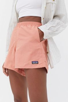 Beachy Outfits Discover Patagonia Baggies Pull-On Short Summer Outfits, Casual Outfits, Cute Outfits, Summer Workout Outfits, Girl Outfits, Summer Clothes, Beautiful Outfits, Patagonia Baggies, Patagonia Shorts