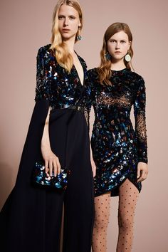 Colecciones: Elie Saab Resort 2018. Glamour al 100% !! Que vivan los colores y estampados! Preciosa colección!! ❤️ #coleccion #collection #resort2018 #eliesaab #style #fashion #beautiful #chic #fashionista #glamour #fashionblog #designer #design #details #inspiration