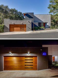 porte de garage bois massif, façade maison en dallage de pierre grise et…