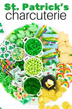 Candy Charcuterie Board to celebrate St. Patrick's Day with Leprechaun Poop Candy, green candy ideas and chocolate coins. Dessert Platter, Dessert Dips, Fun Desserts, Dessert Table, Holiday Treats, Holiday Recipes, Chocolate Gold Coins, St. Patrick's Day Diy, St Patrick Day Treats