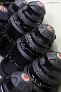 ✔렌즈캡조차 간지폭발! RED PRO PRIME 렌즈입니다. 레드의 저 빨간 동그라미를 보고 있으면 가슴이 벅차오릅니다. 하이엔드 씨네장비 렌탈도 역시 에스엘알렌트에서 만나보세요 :) RED PRO PRIME 6 LENS SET 24 Hours 200,000원 / Halfday 150,000원 #SLRRENT #CINE #EQUIPMENT #RED #REDDIGITALCINEMA #PROPRIME #REDPROPRIME #videoproduction #videomaking #camerarig #filmmaking #filmgear #cameragear #videoproductions #ProfessionalDigitalCinemaCamera #CinemaCameraRental #CINEMATOGRAPHY