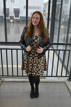 If you like to see more of my #CURVY #FALL #OUTFITS and #DRESSES you should visit my blog mysupersweetlife.nl #FALL #OUTFITS #INSPIRATION #BLOG #BLOGGER #CURVY #FASHION #FASHIONISTA #DRESS
