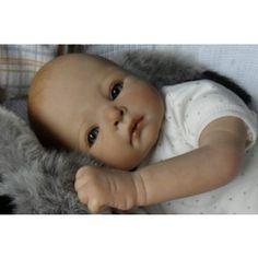 Laura muñeca bebe reborn
