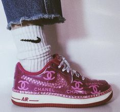 Untitled January 01 2020 at fashion-inspo Aesthetic Shoes, Pink Aesthetic, Aesthetic Clothes, Sneakers Mode, Sneakers Fashion, High Top Sneakers, Nike Fashion, Fashion Clothes, Fashion Fashion