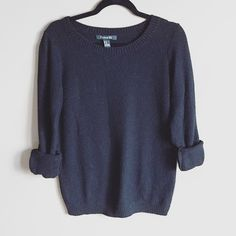 Chunky F21 sweater Very comfy and cozy black sweater from forever 21. Size medium and slightly oversized. Good condition and warm! ❌no trades. Forever 21 Sweaters Crew & Scoop Necks