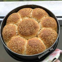 """Fatma Çelik Instagram'da bir gönderi paylaştı: """"Herkese sevdikleriyle mutlu pazarlar... Çiçek ekmek Bardak ölçüşü 250 ml  2 su bardağı ılık süt…"""" • 1,408 gönderiyi görmek için hesabını takip et. Pan Bread, Cornbread, Ethnic Recipes, Blog, Instagram, Millet Bread, Blogging, Corn Bread"""