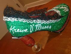 Confessions of a glitter addict: Krewe O' Muses Hurricane Shoe