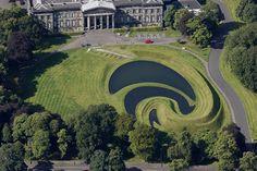 Edinburgh: Scottish National Gallery of Modern Art One and Two*** Kunstgalerij Trotter Schotland 2018 Landscape Architecture, Landscape Design, Garden Of Cosmic Speculation, Galerie D'art Moderne, National Gallery, Gallery Of Modern Art, Art Gallery, Edinburgh Scotland, Water Features