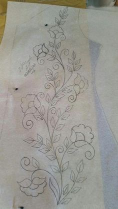 vintage crewel embroidery patternsvintage transfer patterns for embroidery Hand Embroidery Patterns Free, Border Embroidery Designs, Crewel Embroidery Kits, Embroidery Flowers Pattern, Mexican Embroidery, Vintage Embroidery, Embroidery Needles, Embroidery Ideas, Applique