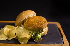 Chicken | Burger | Hamburguesa | Hamburguesería | Lugar: c/ Ramón trias fargas 2, 08005 Barcelona | Estilos de Comida: Hamburguesas - Tapas | Horario: Mar - Jue: 9:00 - 17:00, Vie - Sáb: 9:00 - 3:00, Dom: 9:00 - 21:00