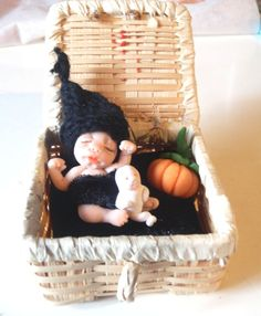 Whimsical Tiny  Newborn Witch in the Box Basket Sleeping  sculpt  Halloween Goth Fairy Dolls, collectible fairy dolls, polymer clay dolls