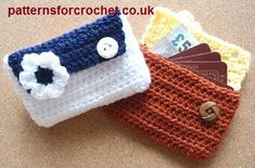 Free crochet pattern for card pouch - purse from http://patternsforcrochet.co.uk/card-pouch-usa.html #patternsforcrochet #freecrochetpatterns