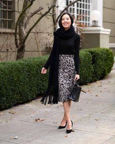 Petite Fashion Tips Get the skirt - Wheretoget.Petite Fashion Tips Get the skirt - Wheretoget Work Fashion, Fashion Outfits, Womens Fashion, Fashion Design, Fashion Trends, Classy Fashion, Fashion Hacks, French Fashion, Skirt Fashion