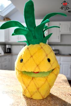 pineapple | name :: PSYCH pineapple puppet