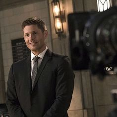 BTS from tonight's episode! Suited and smily  #JensenAckles #Ackleholics #Spnfamily #DeanWinchester #Acklesstyle #Acklesfamily #acklescuteness #PerfectionAckles #ackles #supernatural