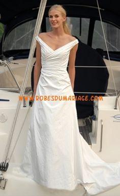 Augusta Jones robe de mariée glamour longue avec traîne au drapé satin