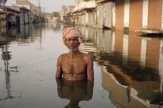 Gideon Mendel's photographs of flood victims are stunningly powerful